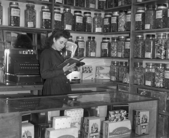1940-1949「The Sweet Keeper」:写真・画像(18)[壁紙.com]