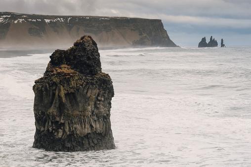 Dyrholaey「Iceland, Reynisfjara beach from Dyrholaey Peninsula」:スマホ壁紙(17)