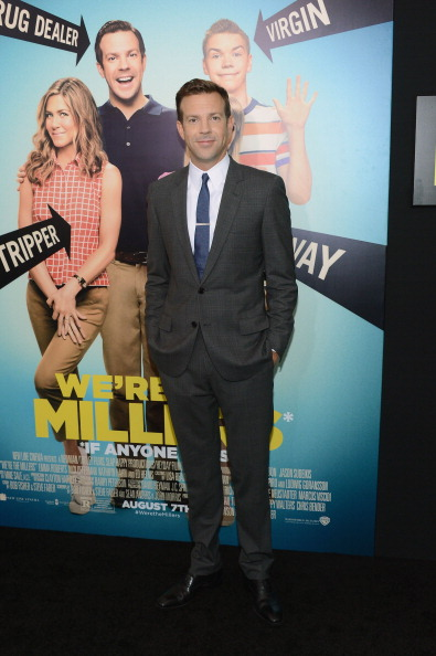 "Hands In Pockets「""We're The Millers"" New York Premiere - Red Carpet」:写真・画像(9)[壁紙.com]"