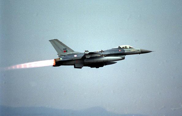 Jet Engine「NATO jets in Operation Allied Force」:写真・画像(4)[壁紙.com]