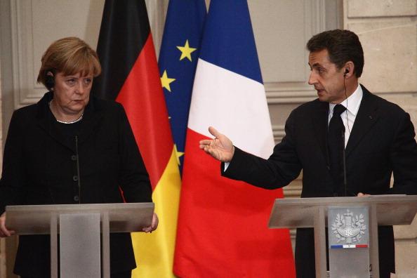 French Press「Angela Merkel And Nicolas Sarkozy Launch Eurozone Crisis Talks」:写真・画像(9)[壁紙.com]