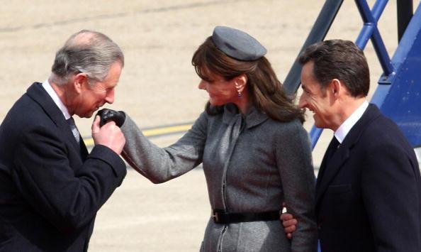 Beret「President And Madame Sarkozy Arrive At Heathrow To Begin State Visit」:写真・画像(15)[壁紙.com]