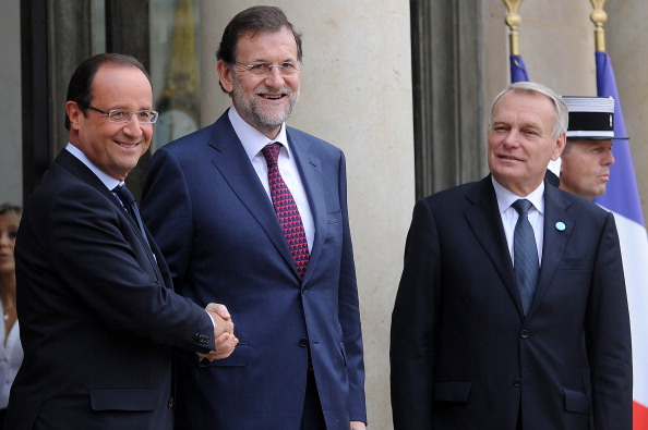 French Prime Minister「French President Francois Hollande Meets Spanish Prime Minister Mariano Rajoy」:写真・画像(9)[壁紙.com]