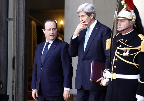 Russian Military「U.S. Secretary of State John Kerry Comes At The Elysee Palace For A Diplomatic Meeting On Lebanon And Ukraine」:写真・画像(19)[壁紙.com]