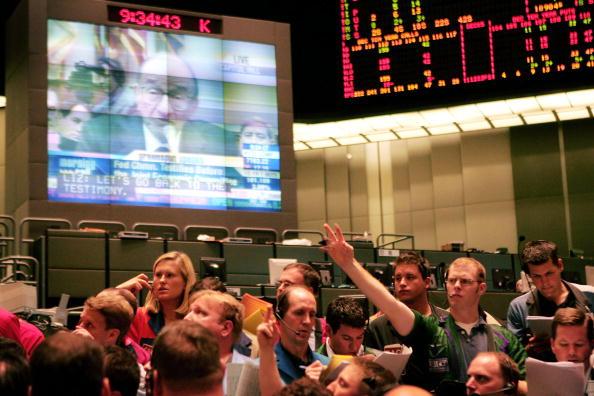Human Arm「Markets React To Greenspans Economic Predictions」:写真・画像(6)[壁紙.com]