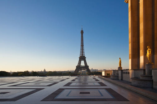 Town Square「Trocadero place with Eiffel tower in the back」:スマホ壁紙(14)