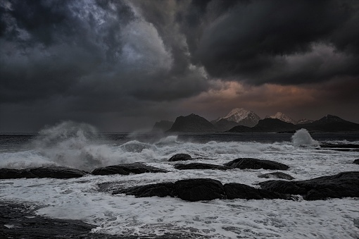波「Stormy sea, Napp, Flakstad, Nordland, Lofoten, Norway」:スマホ壁紙(8)