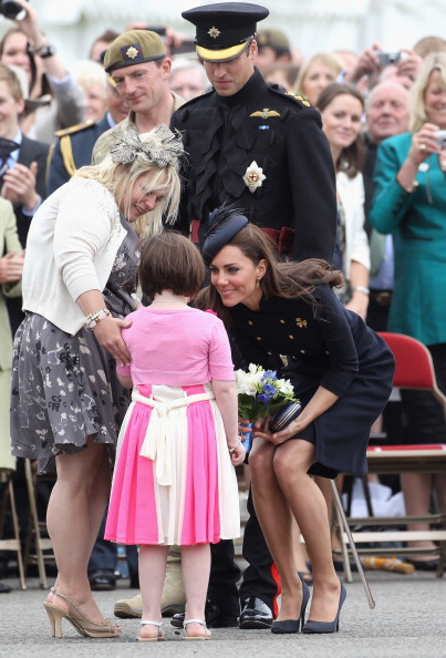 Bouquet「The Duke And Duchess Of Cambridge Attend The Irish Guards Medal Parade」:写真・画像(6)[壁紙.com]
