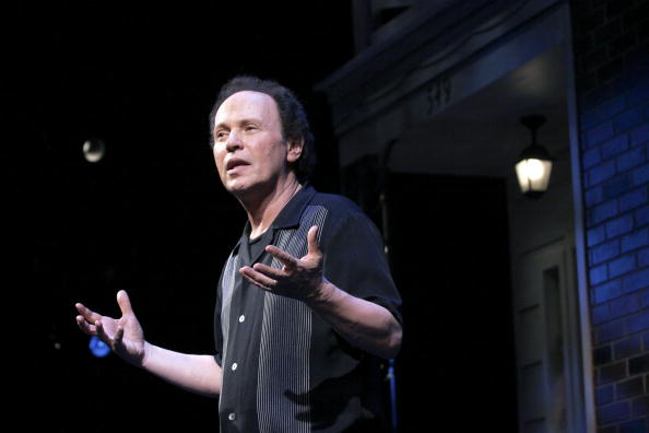 "Decisions「Billy Crystal Concludes His Run Of ""700 Sundays""」:写真・画像(0)[壁紙.com]"