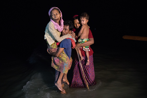 Paula Bronstein「Rohingya Refugees Flood Into Bangladesh」:写真・画像(9)[壁紙.com]