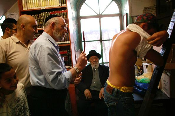 Religion「Religious Jews Prepare For Yom Kippur」:写真・画像(3)[壁紙.com]