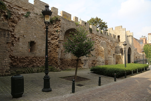 Gas Light「old city-wall at the city-quarter Marollen」:スマホ壁紙(4)