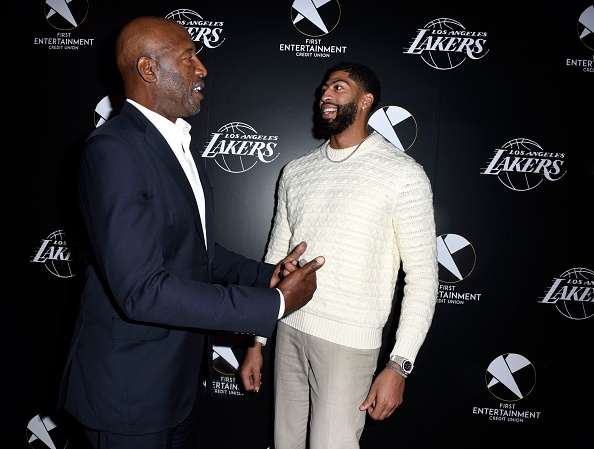 James Worthy「First Entertainment x Los Angeles Lakers and Anthony Davis Partnership Launch Event, March 4 in Los Angeles」:写真・画像(12)[壁紙.com]