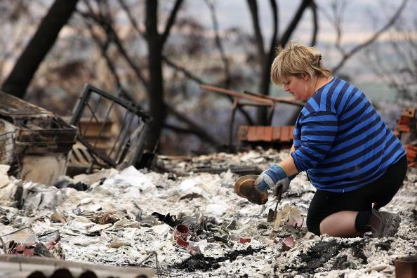 Sweeping「Death Toll Passes 100 As Bushfires Sweep Through Victoria」:写真・画像(12)[壁紙.com]