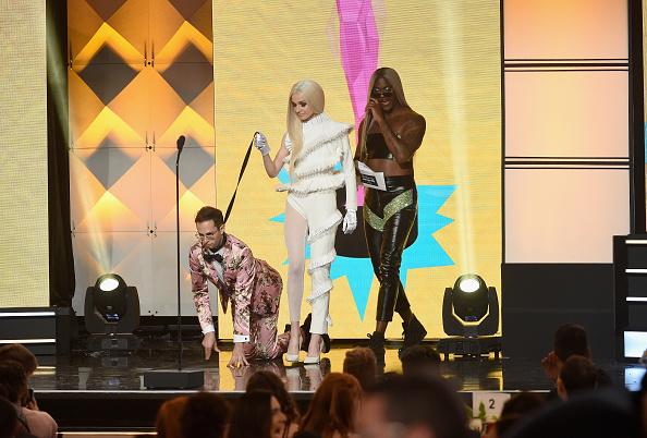 Poppy - Plant「The 8th Annual Streamy Awards - Show」:写真・画像(6)[壁紙.com]