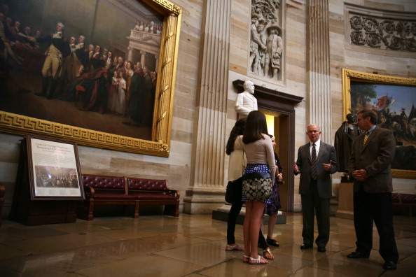 Architectural Dome「Members Of Congress Lead Tours Of Capitol As Furloughs Hit Staffing」:写真・画像(6)[壁紙.com]