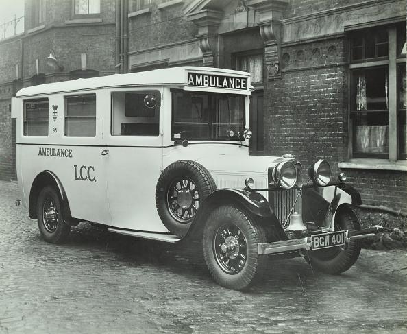 Greater London Council「London County Council Ambulance, Deptford, 1935. .」:写真・画像(10)[壁紙.com]