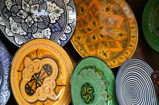 Atlas Mountains「Glazed Moraccan plates on display.」:スマホ壁紙(18)