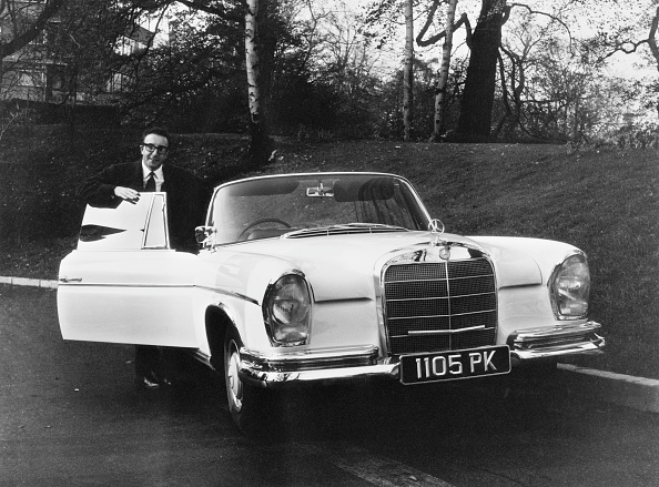 Peter Sellers - Actor「Sellers With New Car」:写真・画像(3)[壁紙.com]