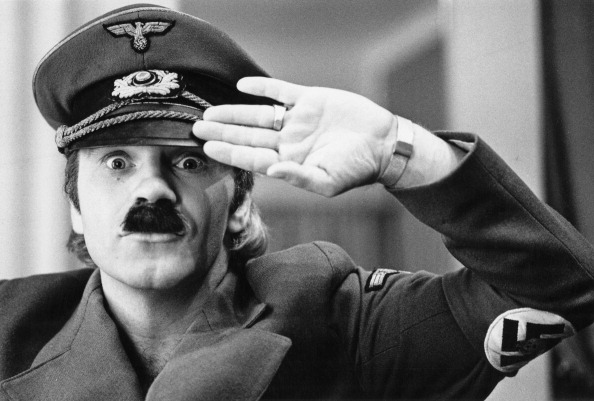 Costume「Freddie Starr」:写真・画像(16)[壁紙.com]