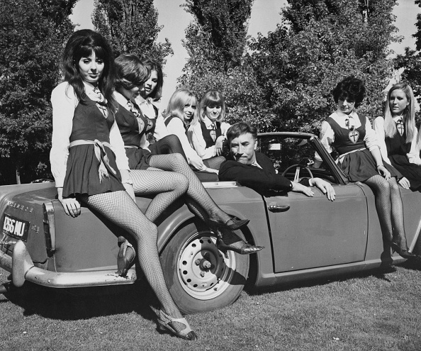 大人「The Great St Trinian's Train Robbery」:写真・画像(16)[壁紙.com]