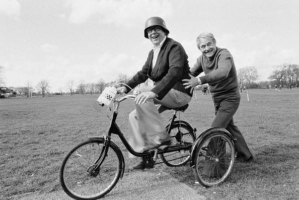 Tricycle「Eric Morecambe and Ernie Wise」:写真・画像(18)[壁紙.com]