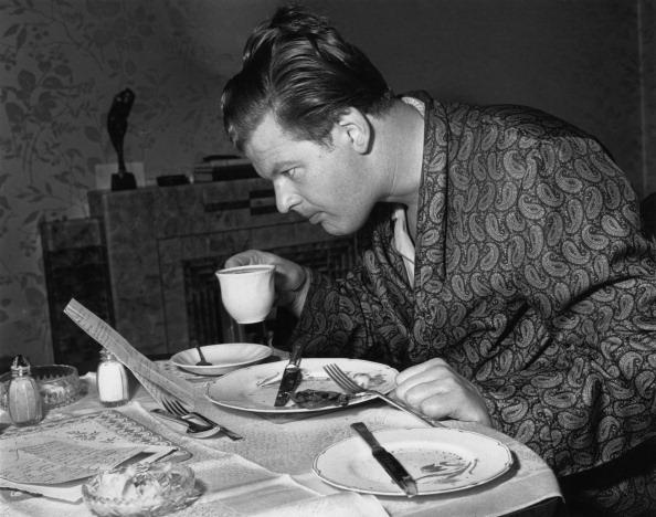 Table「Benny Hill's Breakfast」:写真・画像(9)[壁紙.com]