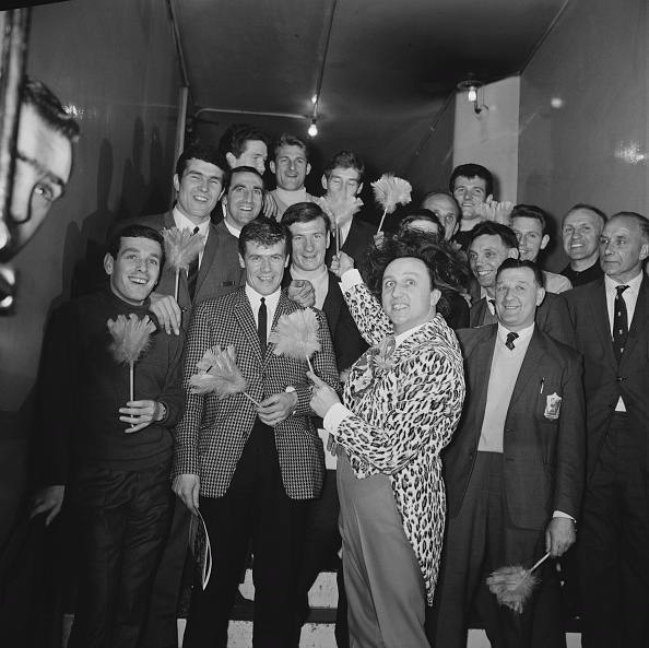 Liverpool F「Ken Dodd And Liverpool F.C.」:写真・画像(0)[壁紙.com]