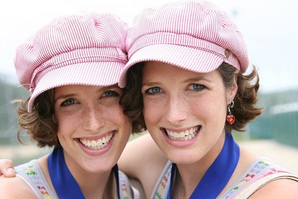 Twin「Twinsburg Hosts Annual Twins Festival」:写真・画像(2)[壁紙.com]