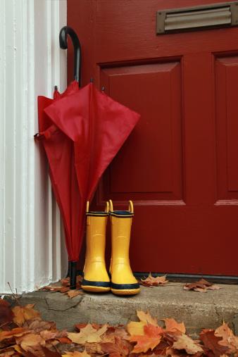 Umbrella「Rainy Autumn Boots」:スマホ壁紙(6)