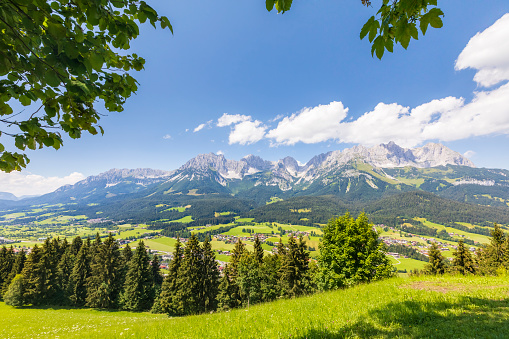 Ellmau「View to the mountain range Wilder Kaiser, Austria, Tirol  - Kaiser Mountains」:スマホ壁紙(9)