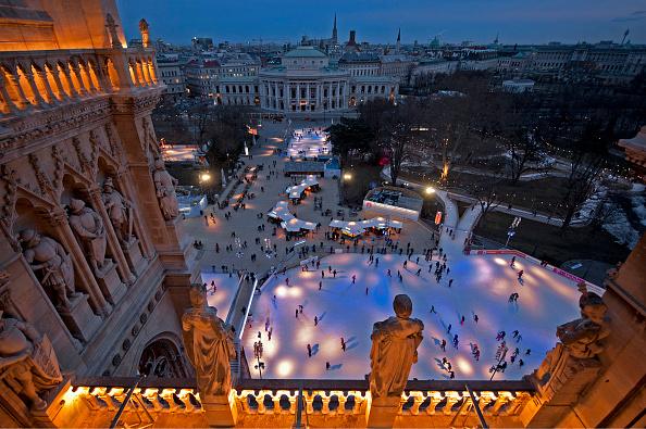 風景(季節別)「Ice Dream On City Hall Square」:写真・画像(17)[壁紙.com]