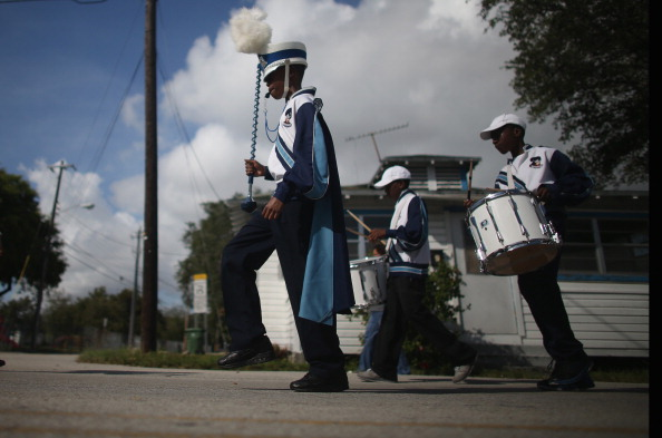 Grove「Florida Community Commemorates Veterans Day」:写真・画像(10)[壁紙.com]