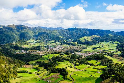 Atlantic Islands「Azores, Sao Miguel, Landscape of the city of Furnas」:スマホ壁紙(16)