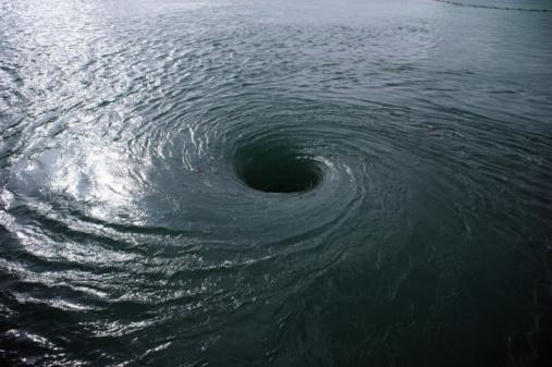 Extreme Weather「Whirlpool vortex in water」:スマホ壁紙(19)