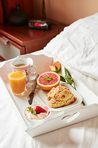 Tray「Breakfast in bed with homemade rhubarb scones, strawberry butter, grapefruit, fresh juice and coffee」:スマホ壁紙(18)