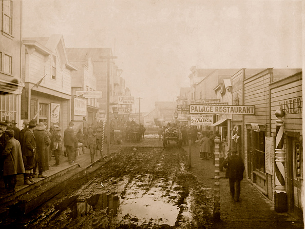 1900-1909「Nome's Muddy Streets & Barber Shop」:写真・画像(15)[壁紙.com]