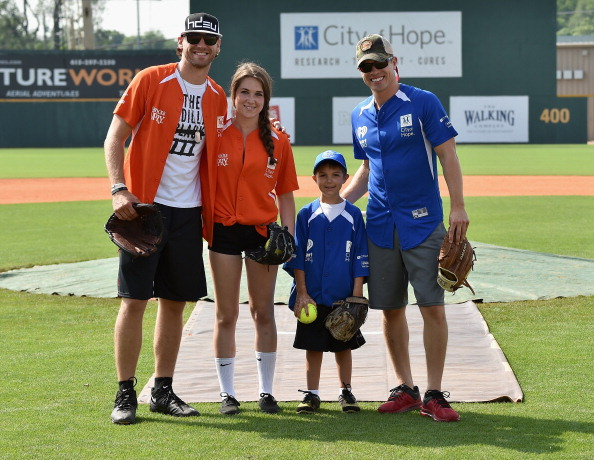 Larry Busacca「City of Hope Celebrity Softball Game at CMA Festival - Game」:写真・画像(5)[壁紙.com]