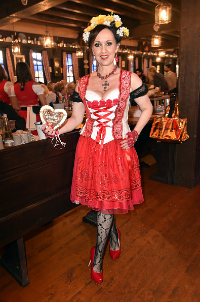 縦位置「Charity Lunch At 'Zur Bratwurst' - Oktoberfest 2017」:写真・画像(16)[壁紙.com]