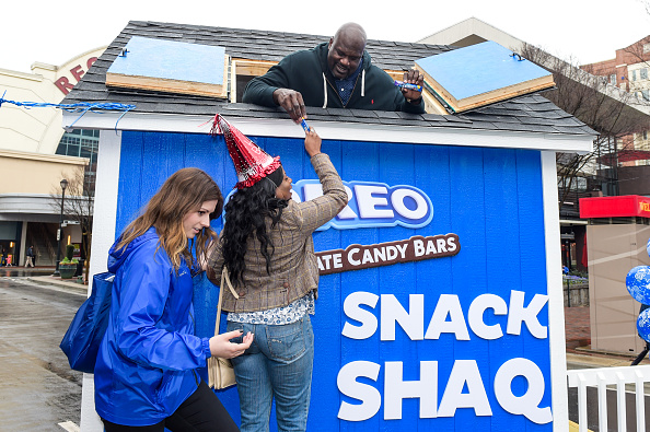 Sweet Food「OREO Chocolate Candy Bar And Shaquille O'Neal Cover The Country In OREO Chocolate Candy Bars To Celebrate Their Shared Birthday」:写真・画像(1)[壁紙.com]