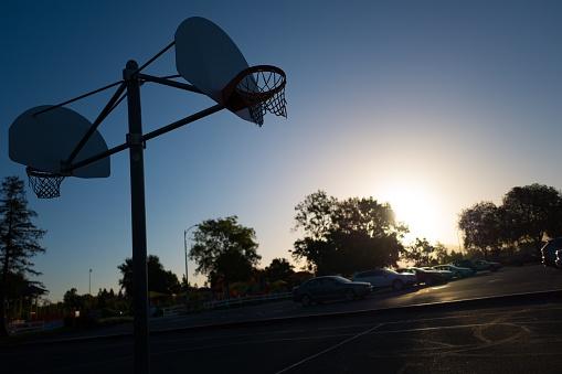 バスケットボール「Basketball Hoop At Dawn」:スマホ壁紙(13)
