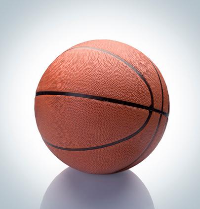 Mid-Atlantic - USA「Basketball on reflection」:スマホ壁紙(8)