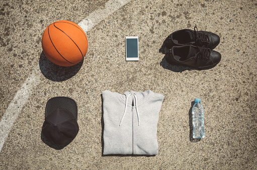 Personal Accessory「Basketball items lying on ground of basketball court」:スマホ壁紙(5)