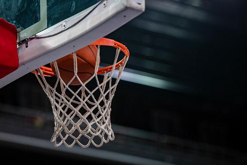 Taking a Shot - Sport「Basketball in hoop」:スマホ壁紙(12)