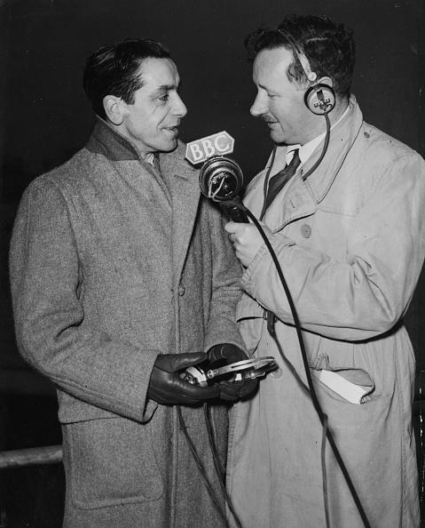 Microphone「Wynford Vaughan-Thomas」:写真・画像(16)[壁紙.com]
