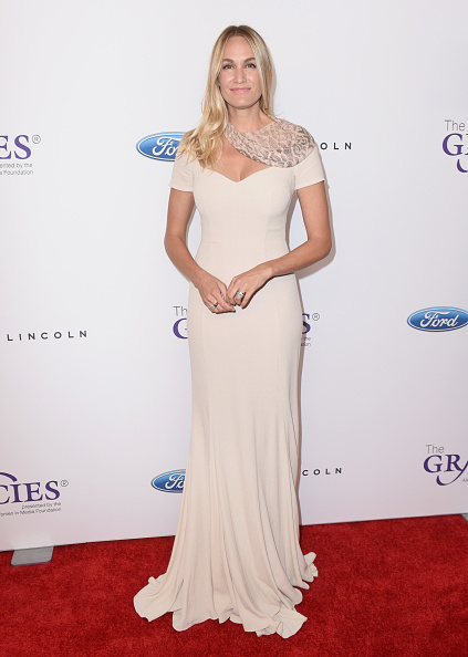 Vivien Killilea「The 42nd Annual Gracie Awards - Red Carpet」:写真・画像(6)[壁紙.com]