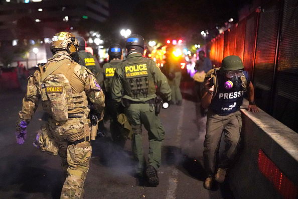 Nathan Howard「DHS Makes Deal With Oregon Governor To Withdraw Federal Agents From Portland」:写真・画像(17)[壁紙.com]