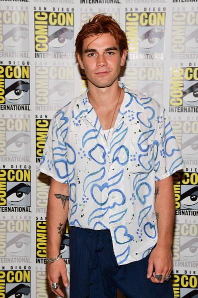 "KJ Apa「2019 Comic-Con International - ""Riverdale"" Photo Call」:写真・画像(13)[壁紙.com]"