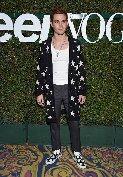 KJ Apa「Teen Vogue's Young Hollywood Party, Presented By Snap - Arrivals」:写真・画像(8)[壁紙.com]