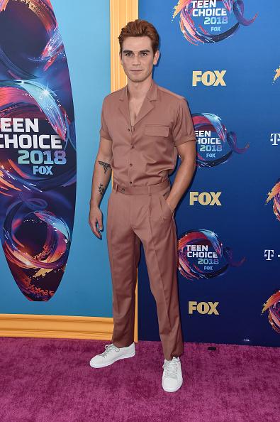 KJ Apa「FOX's Teen Choice Awards 2018 - Arrivals」:写真・画像(18)[壁紙.com]